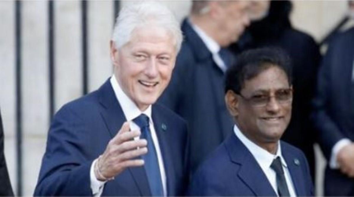 Image du jour : Le Président par intérim Barlen Vyapoory et Bill Clinton