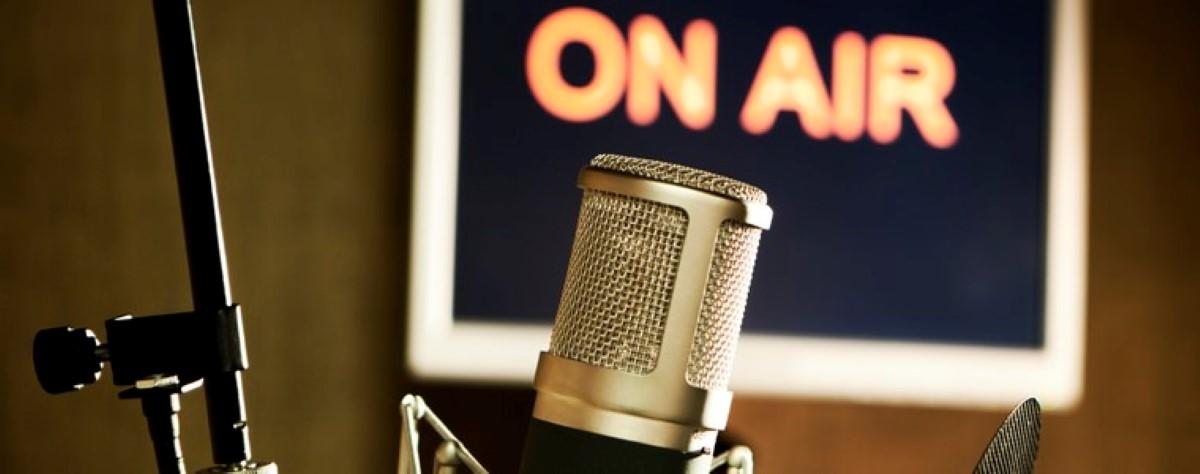 [Dossier] Législatives 2019 : Où en sont les rapports entre presse et politique ?