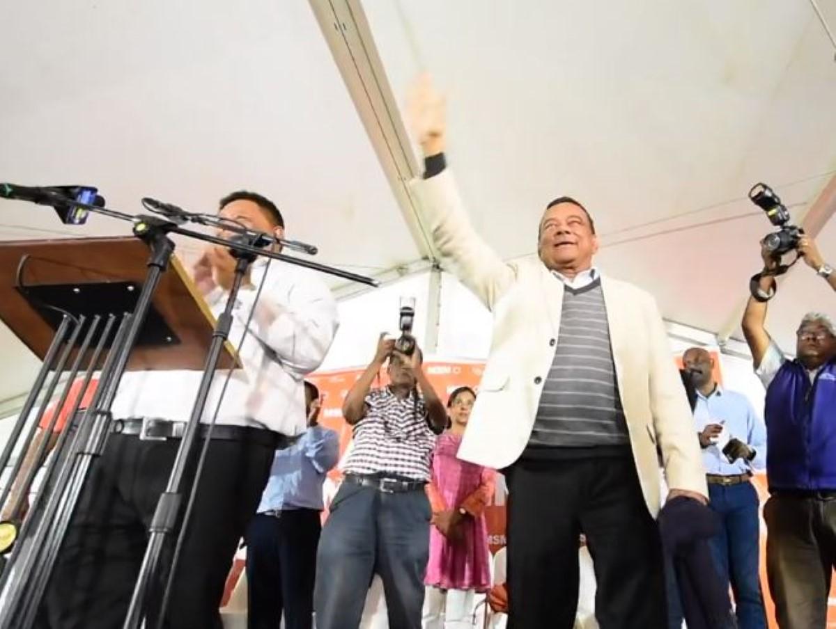 Distribution d'eau 24/7 :  Ivan Collendavelloo avoue que «Immediatman la pa tro vre»