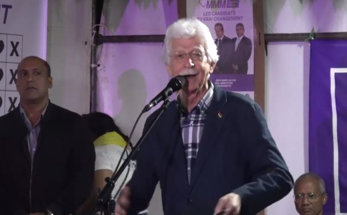 """Paul Bérenger: «Linn grimp lor ledo Anerood Jugnauth pour vinn Premier ministre """"par linpost""""»"""