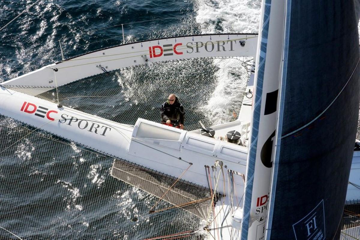 ▶️ Le skipper Francis Joyon a pulvérisé son record de La Mauricienne entre La Bretagne et Port-Louis