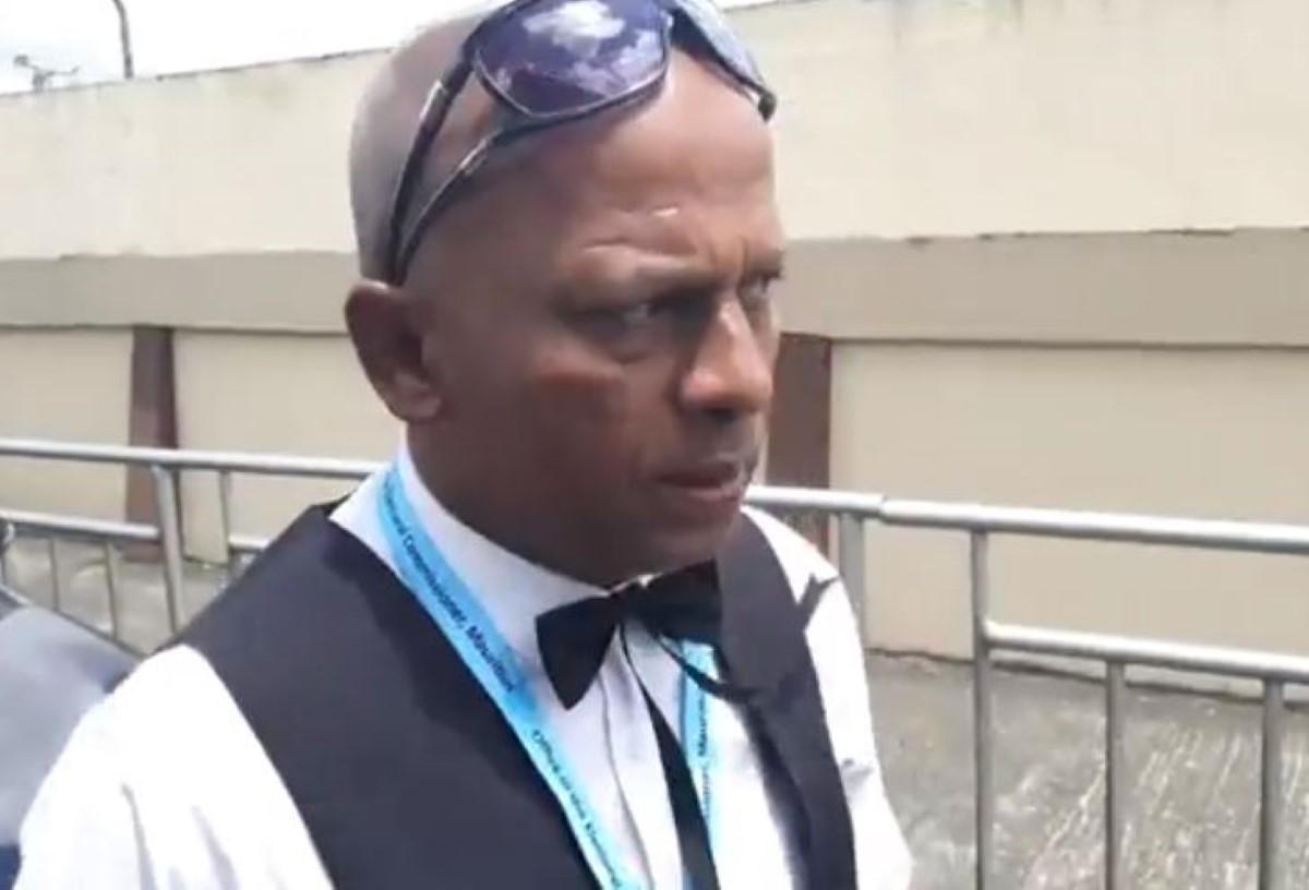Monsieur Malin en larmes perd sa bataille politique