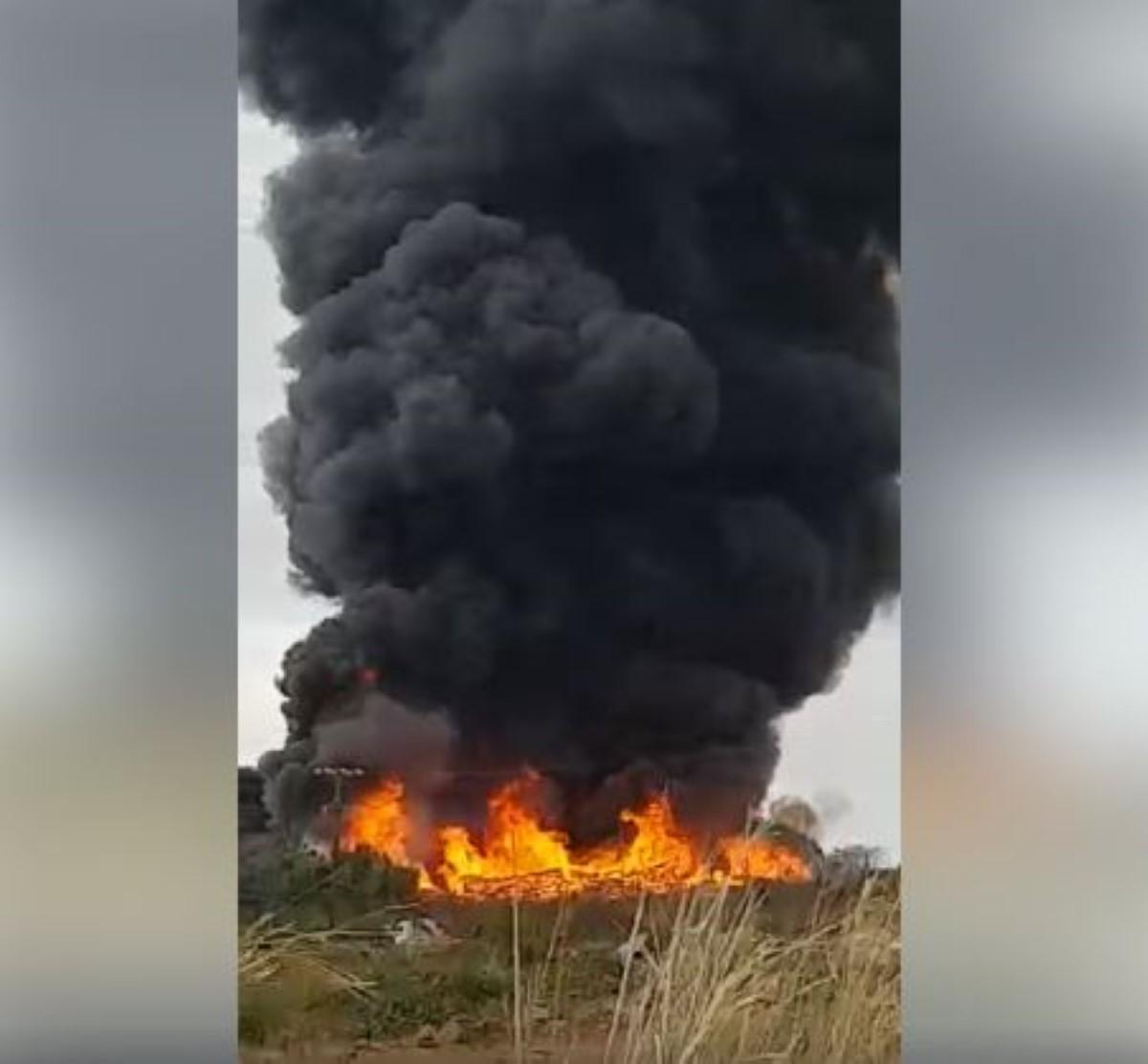Incendie dans un champ de cannes à Petit Raffray