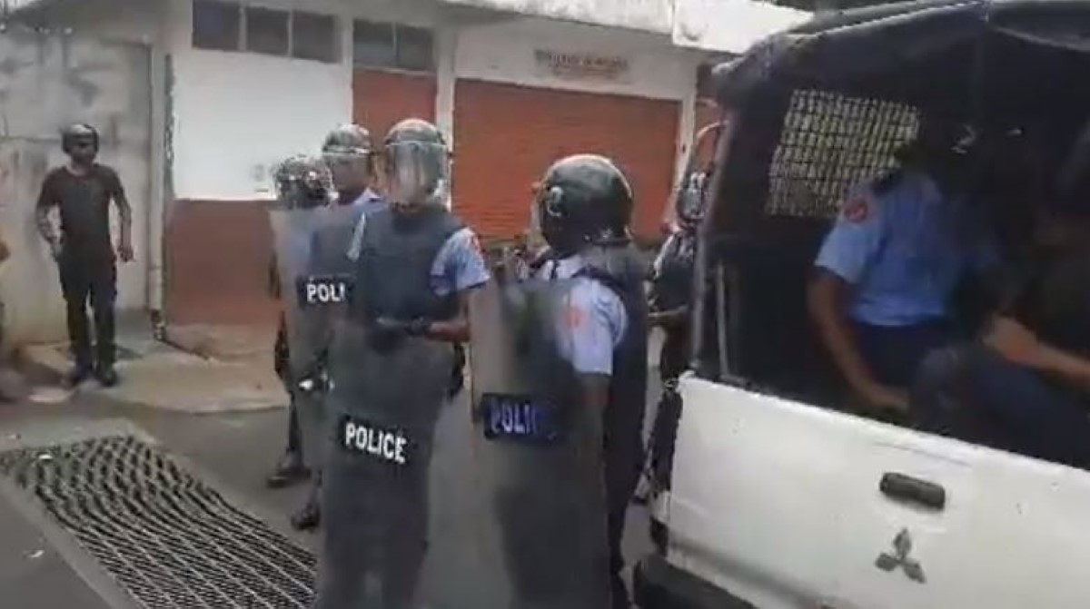 Coups de feu à Sainte-Croix et projectiles lancés sur les véhicules de police