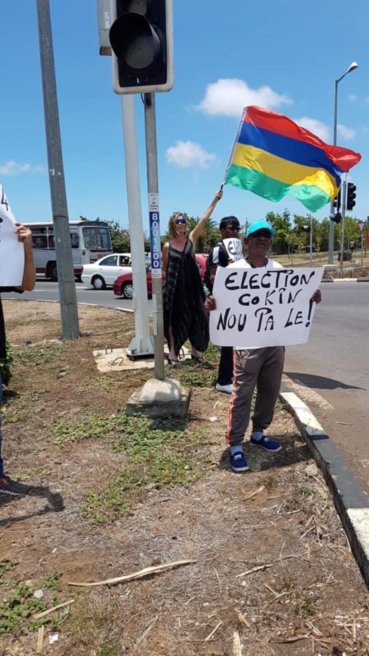 """▶️ Des citoyens """"Nou Lavwa Nu Dignite"""" ont manifesté aux quatre coins de l'île"""