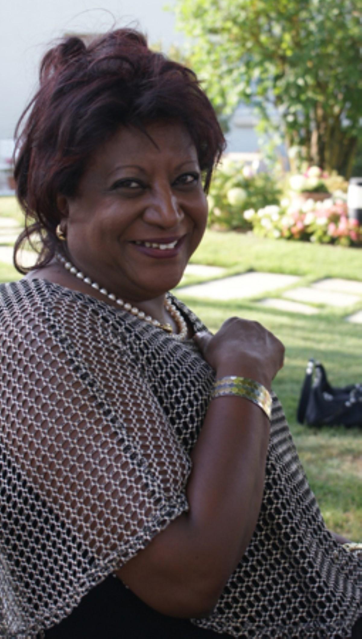 Biscuiterie Yannick : La Mauricienne Violette Jettain fait chevalier de l'ordre national du Mérite
