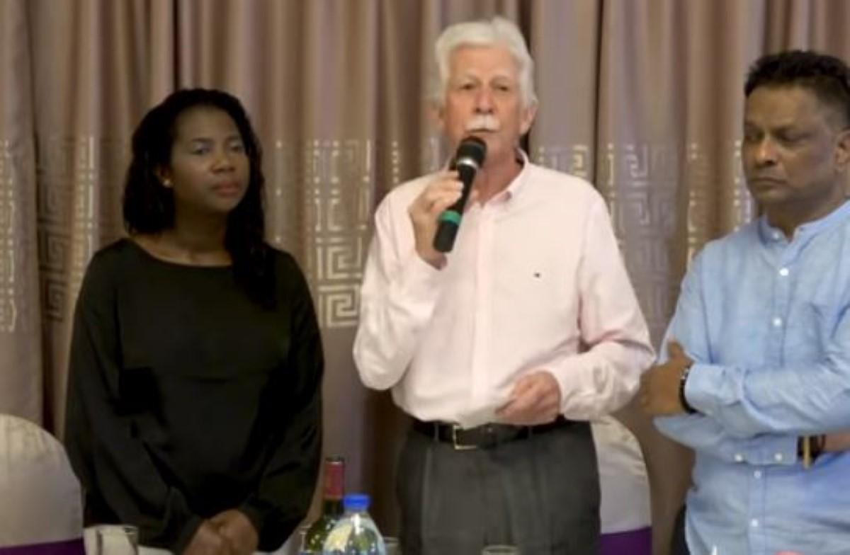 Paul Bérenger évoque la possibilité de ne plus se présenter comme PM