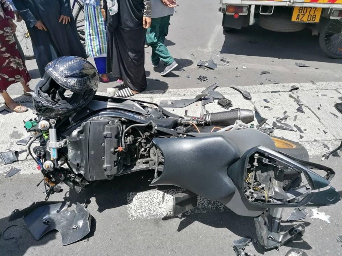 Phoenix : Une collision entre une camionnette et une motocyclette fait un blessé