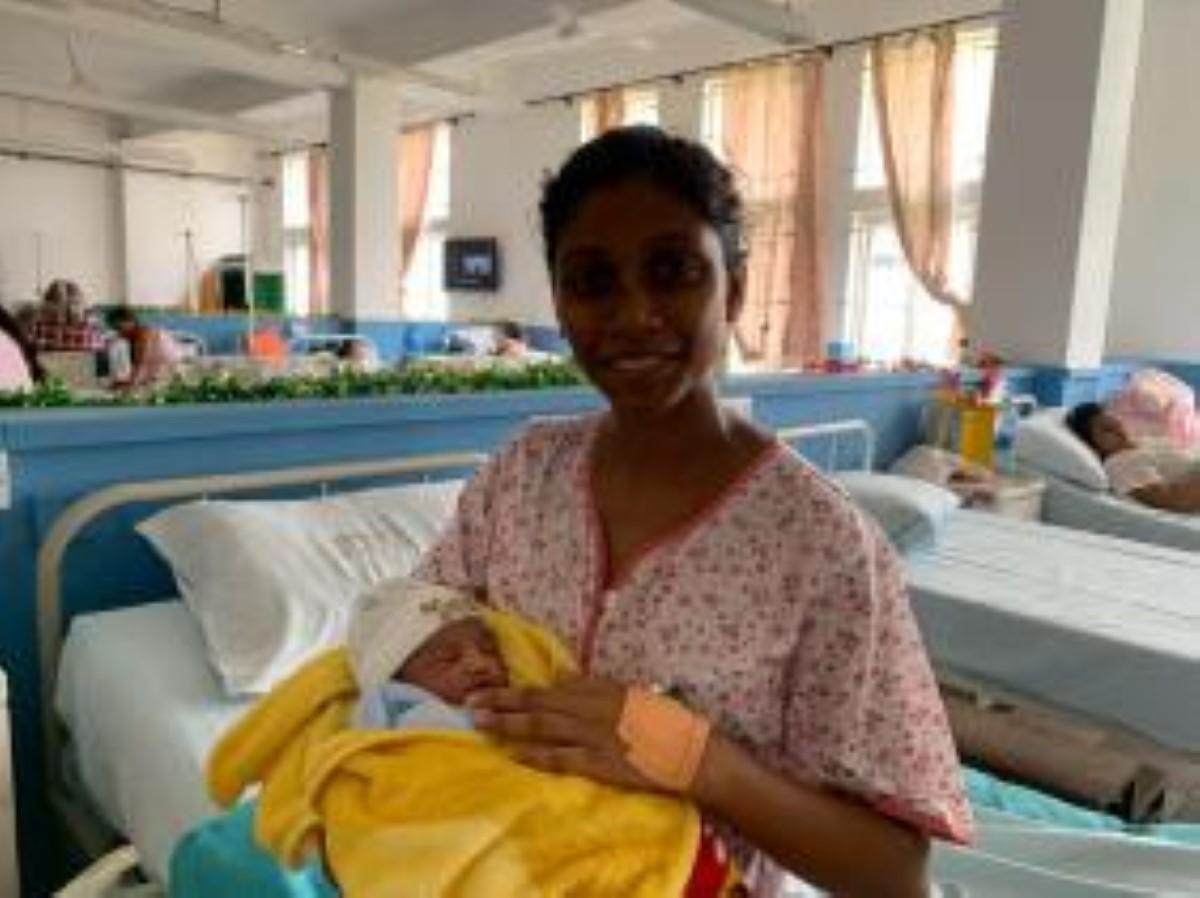Un bébé à Noël : Elle donne naissance à son premier enfant
