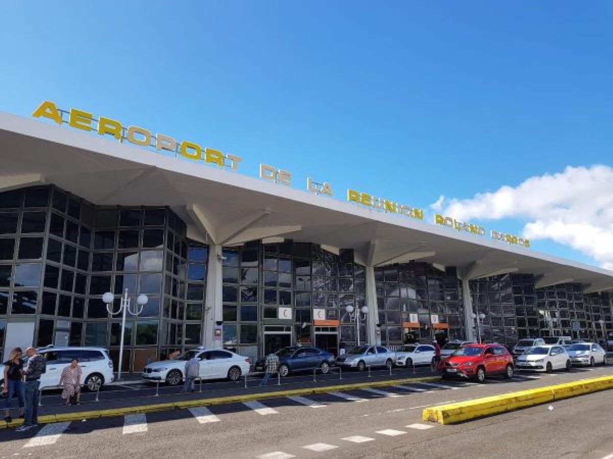Un réveillon à l'aéroport ? Des passagers d'Air Mauritius toujours bloqués à Roland Garros