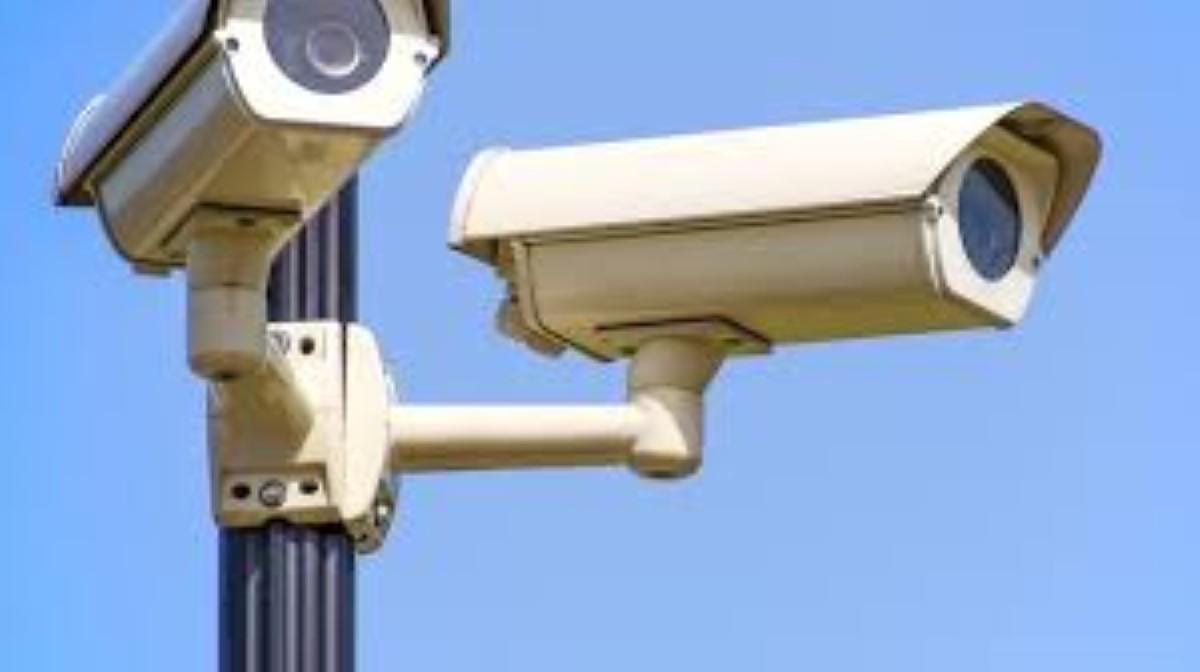 A Calebasses : Deux gamins volent des caméras CCTV