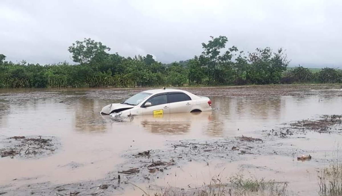 A Cottage, un taxi piégé par la montée des eaux