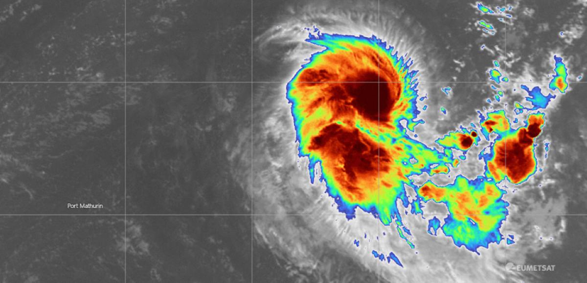 La dépression tropicale modérée baptisée Gabekilé s'intensifie et évolue au Nord-est de Maurice