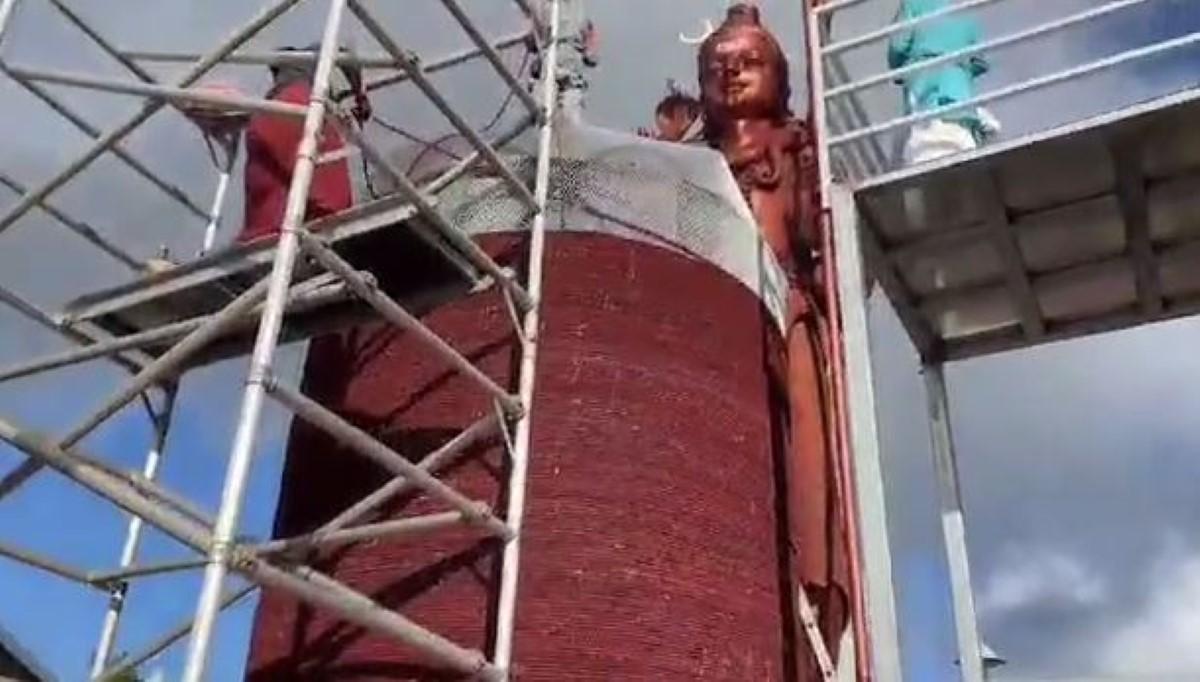 ▶️ Maha Shivaratri : Un shivalinga de 4,8 mètres de haut installé à Grand-Bassin