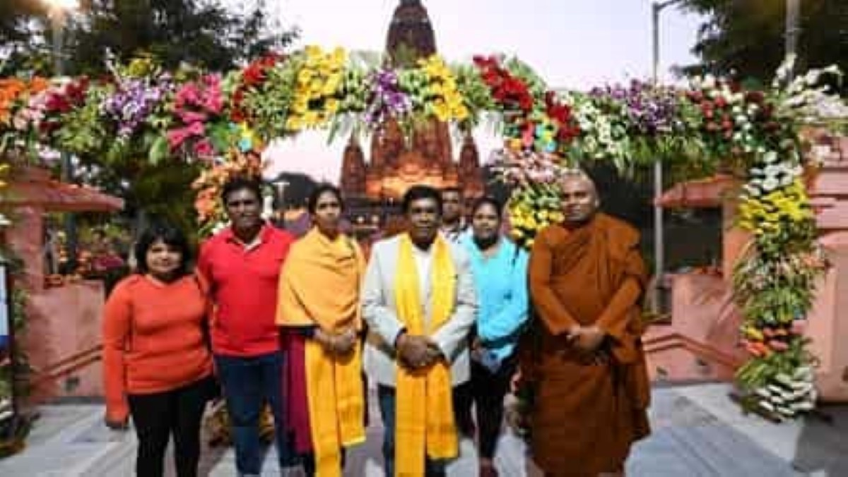 """Pradeep Roopun s'offre un voyage spirituel en Inde et se fait """"arrêter"""" pour excédent de bagages"""