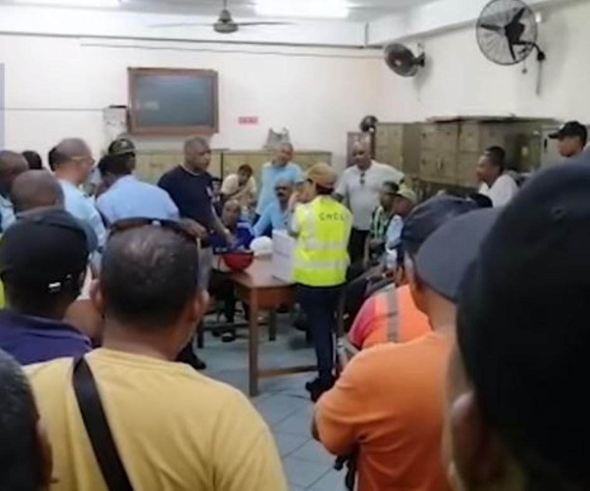 Vives tensions autour d'un navire en provenance de Hong Kong