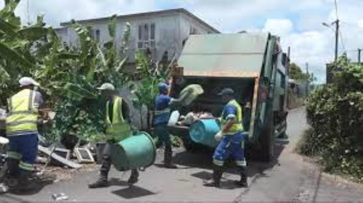 Le service de voirie assuré… du moins à Port-Louis