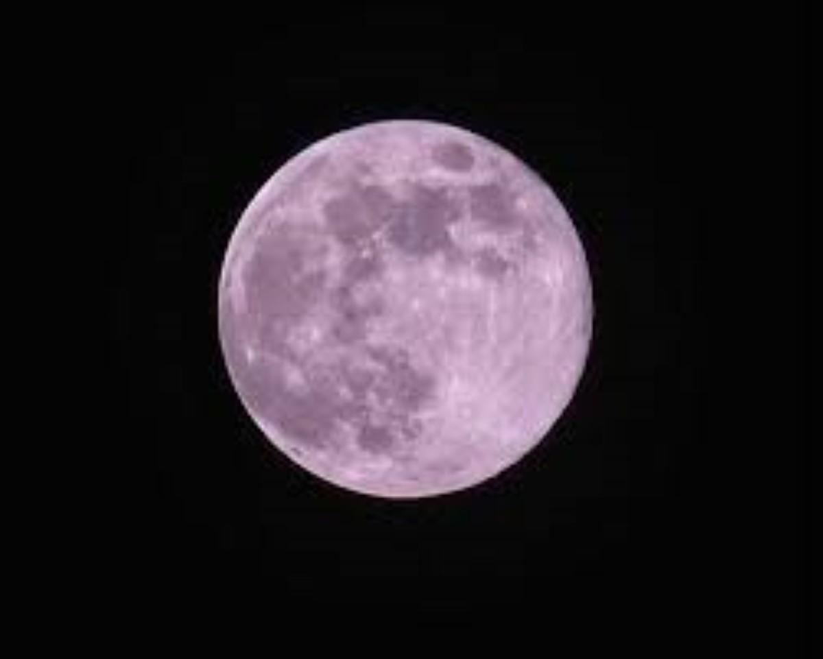 """Une """"Super Lune"""" rose illuminera le ciel mauricien ce mardi"""