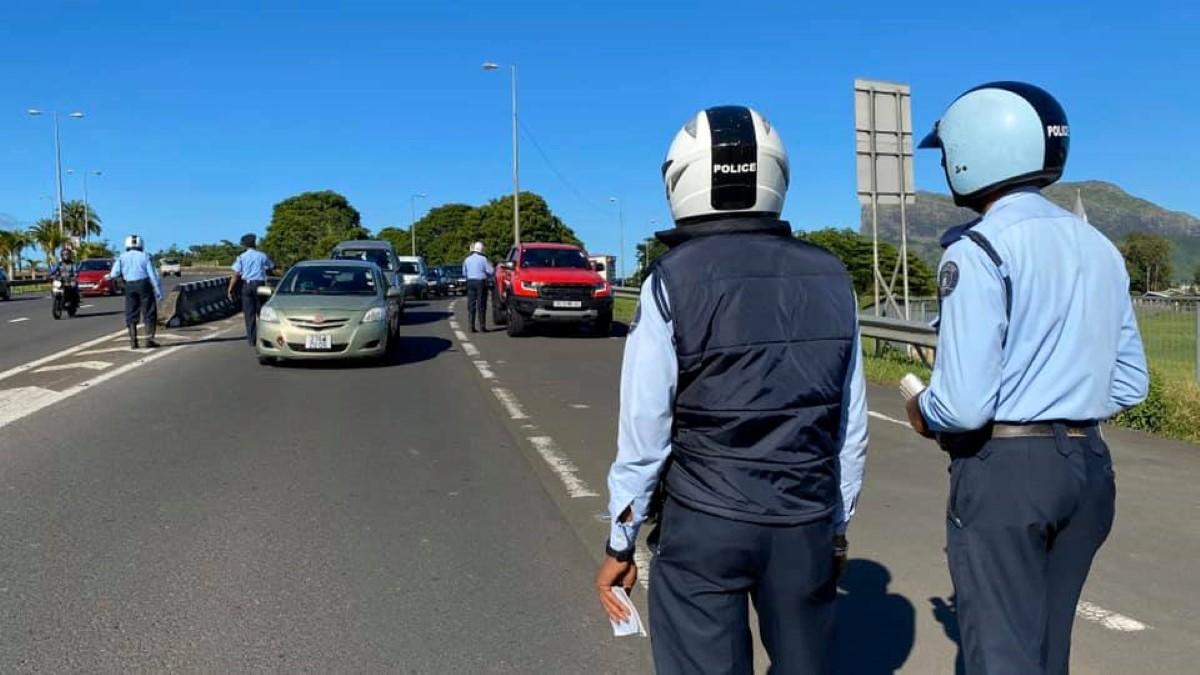 Plus de 1000 contraventions pour non-respect du couvre-feu pendant le week-end