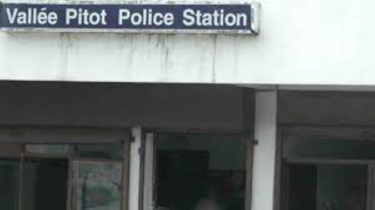 Vallée-Pitot : Séquestré par son fils qui lui vole sa pension, un retraité porte plainte