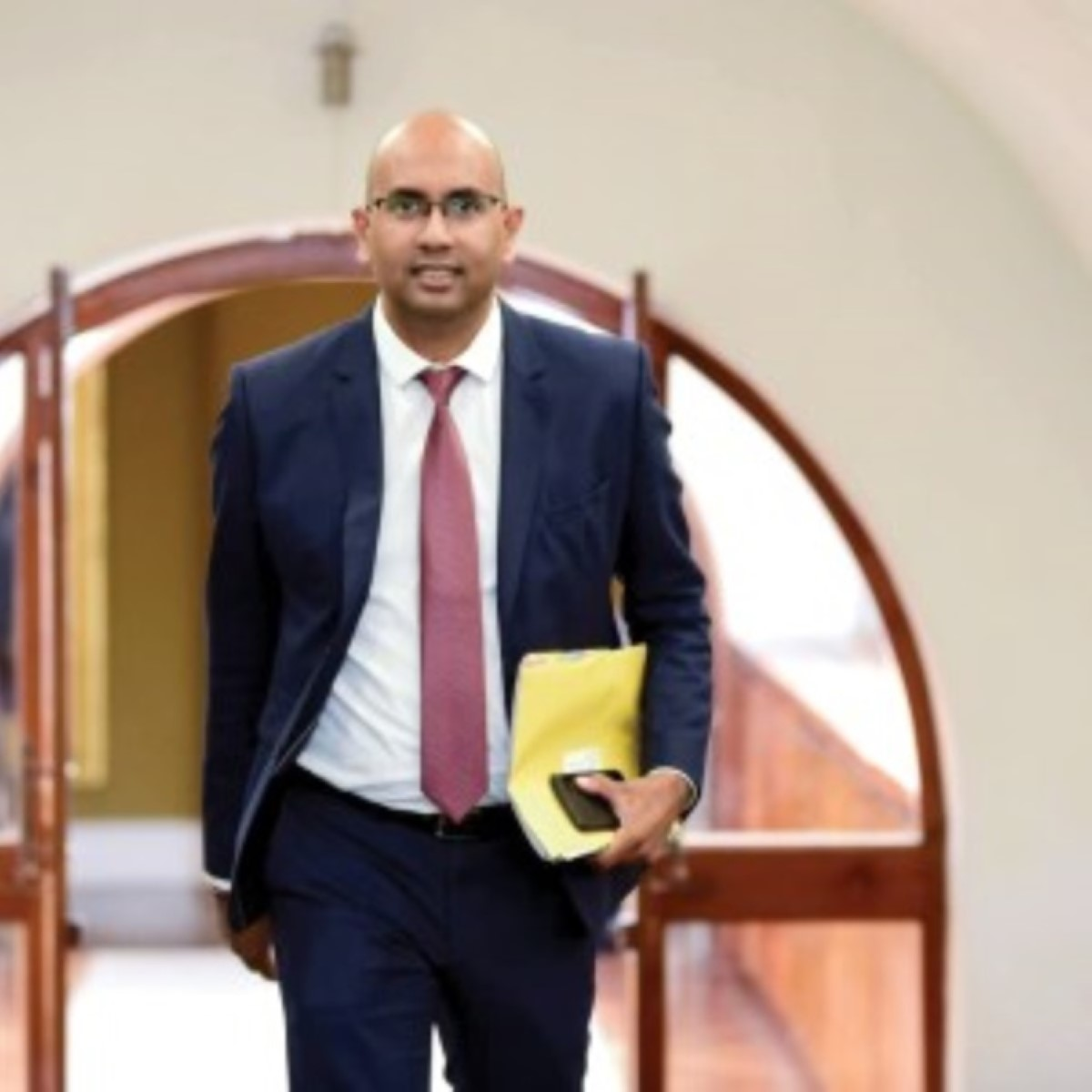 CEB : Le conseiller du Premier ministre Ken Arian, dans le nouveau conseil d'administration