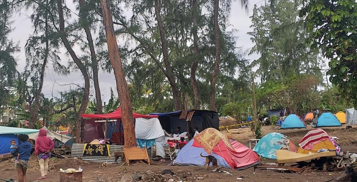 Une tente entre ciel et terre pour les squatters à Maurice