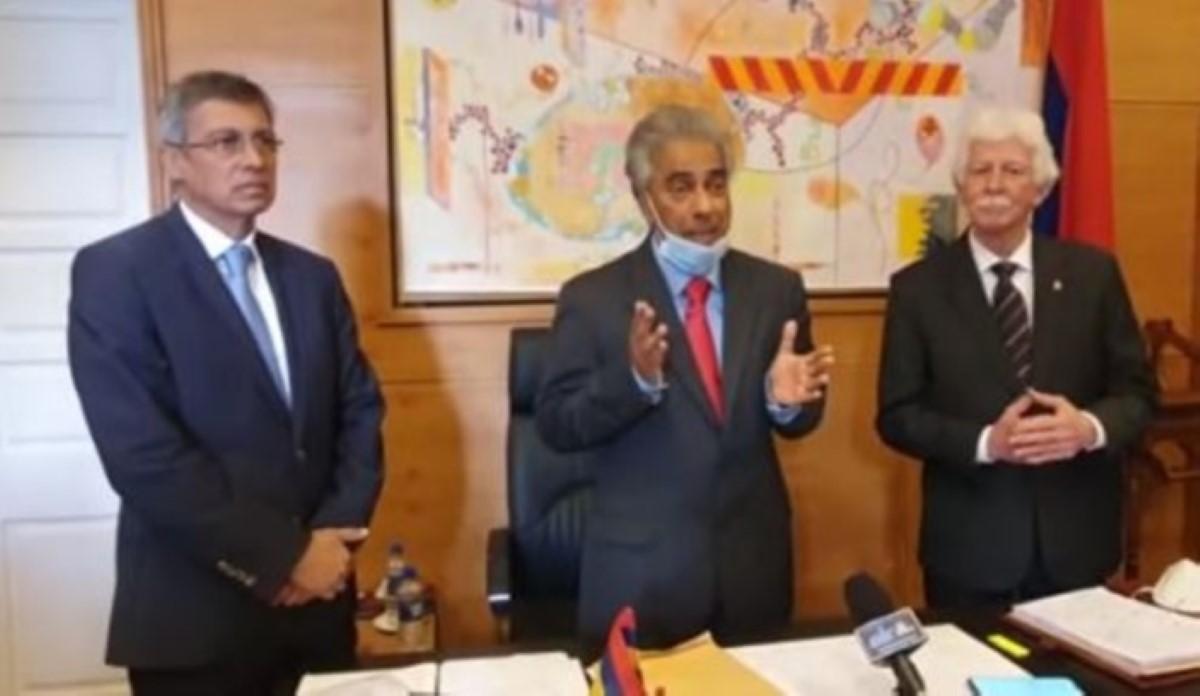 Bérenger persiste et signe : Pravind Juganuth est un « lâche »