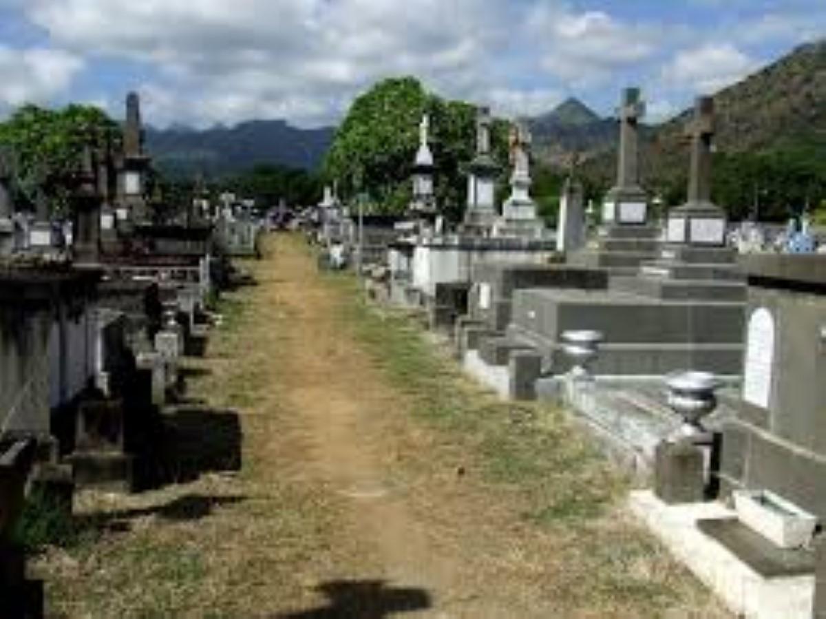 Consternation au Cimetière de Cassis après la profanation de deux tombes