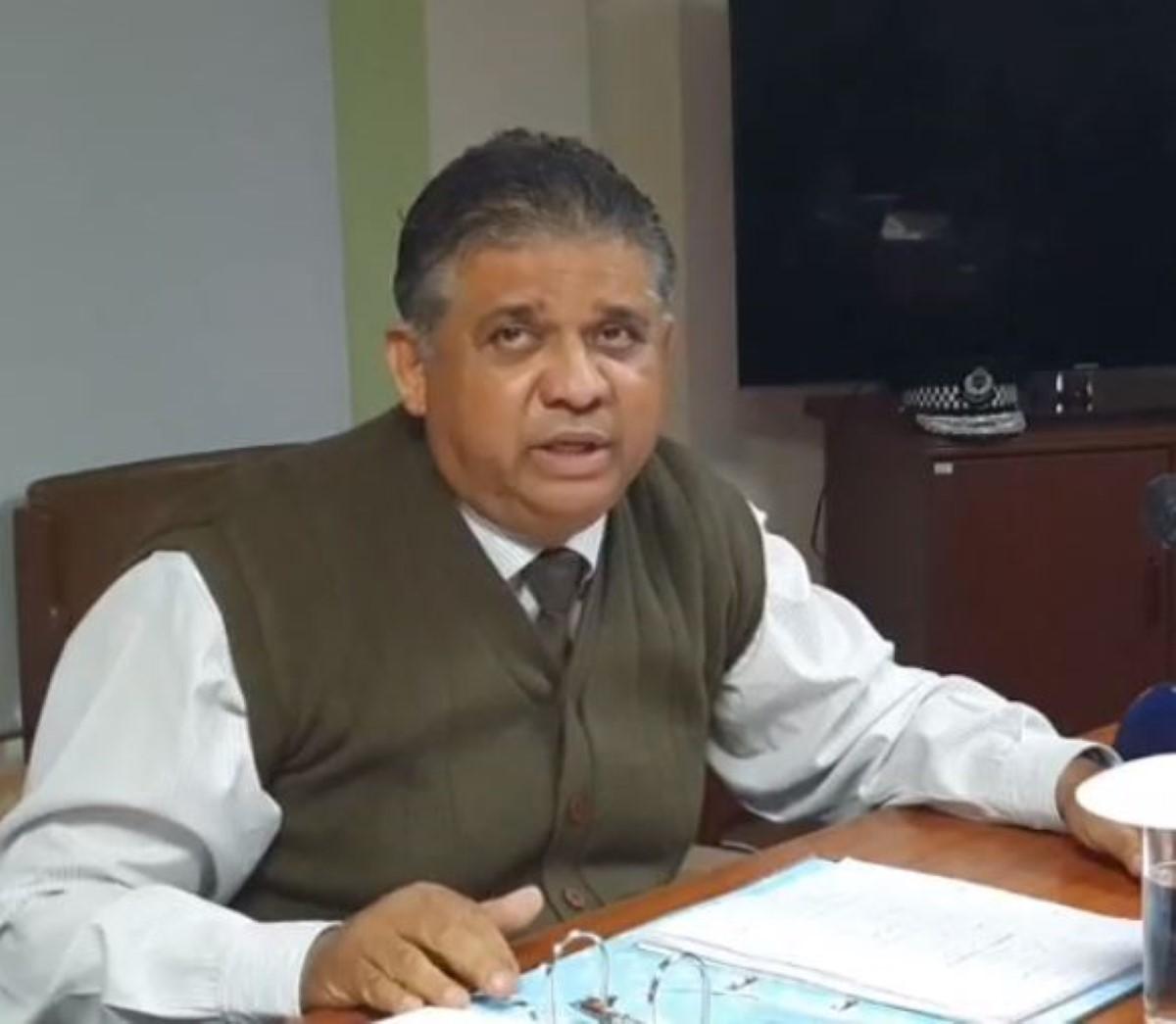Alain Donat, directeur des affaires maritimes, est la superstar du moment