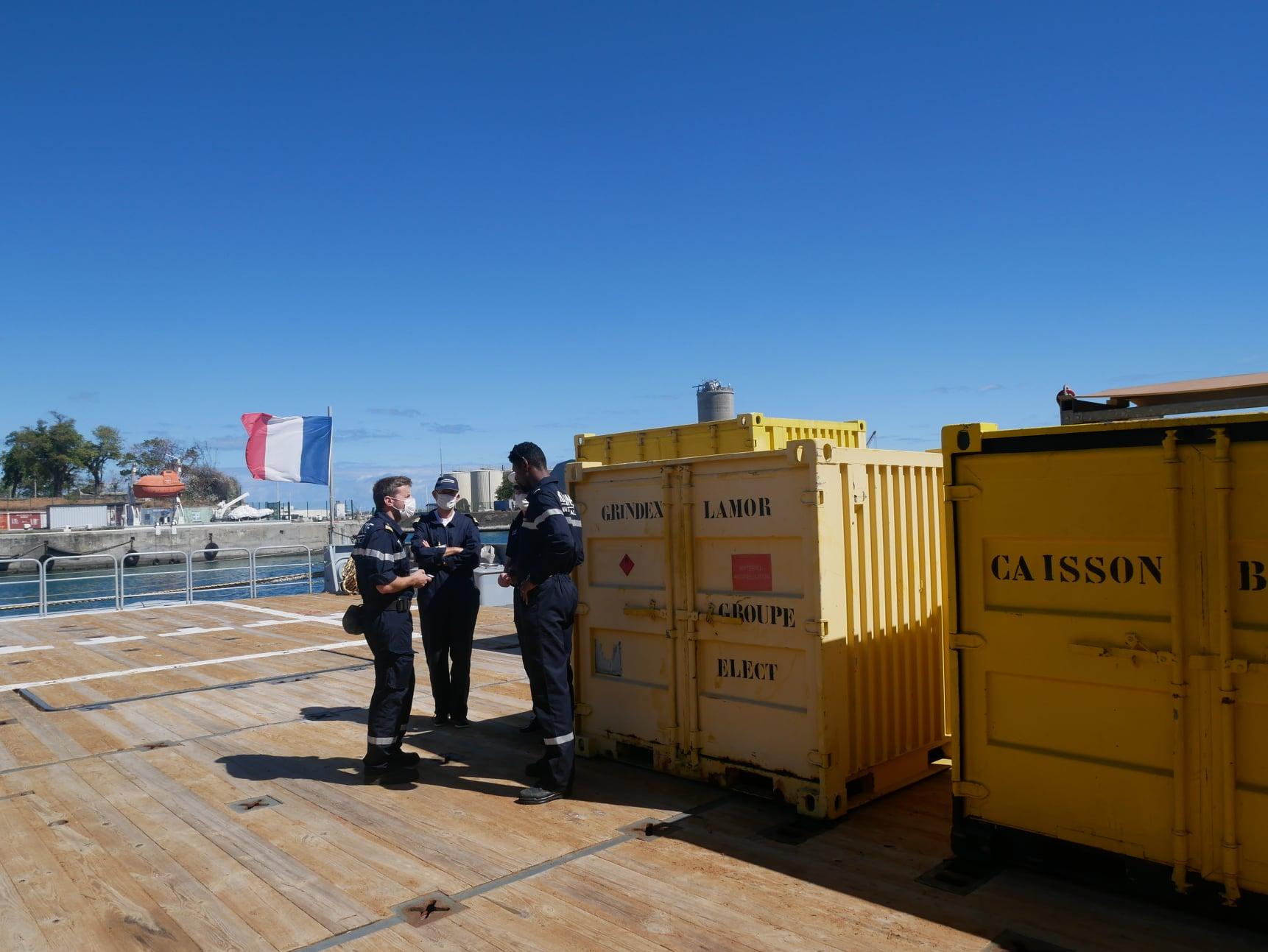 [En images] Wakashio : L'aide française est arrivée à Maurice avec 21 tonnes et 80m3 de matériel