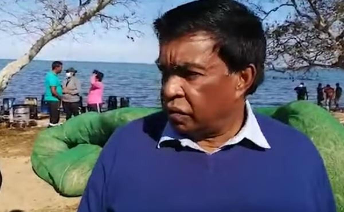 Le président Roopun nettoie et fait du jardinage tous les jours