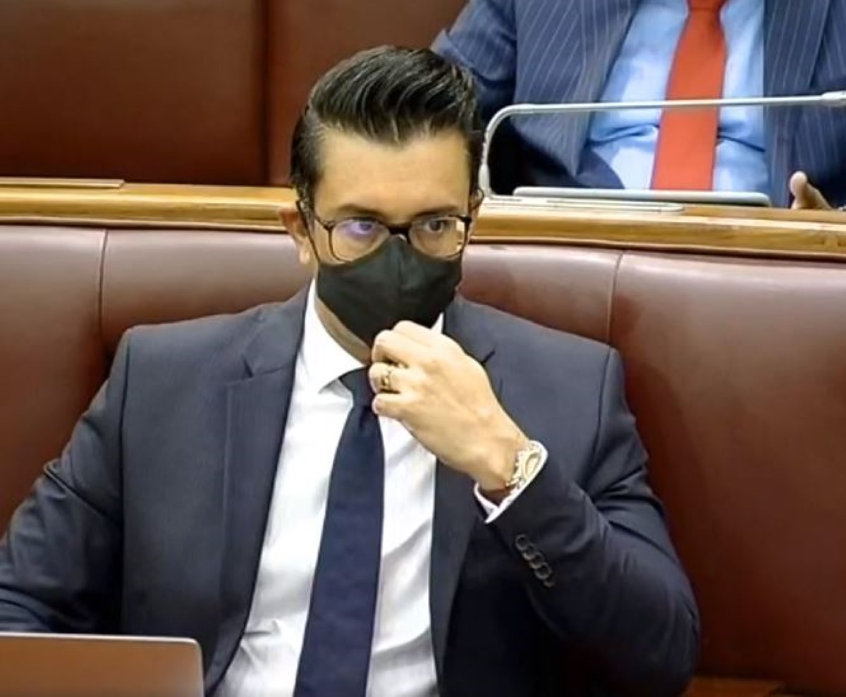 Au Parlement, le gouvernement aidé par le Speaker opprime la voix du peuple en sanctionnant et expulsant l'opposition