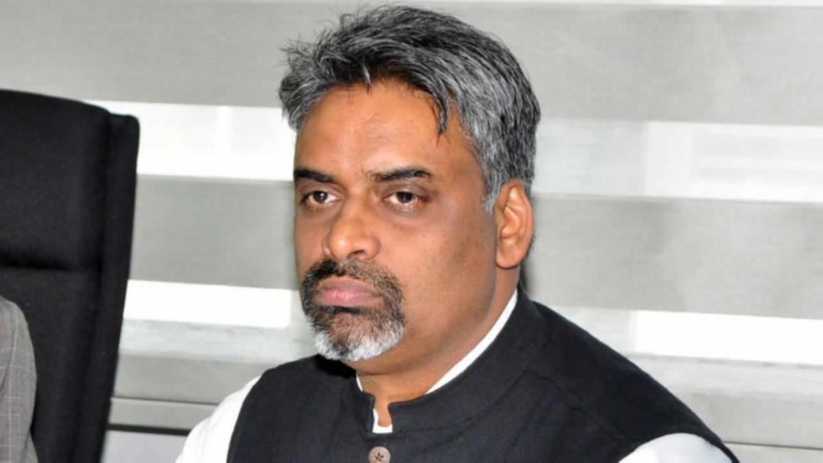 Vishwadeo Gobin, le père de du Part time Attorney General, Maneesh Gobin, décline sa nomination