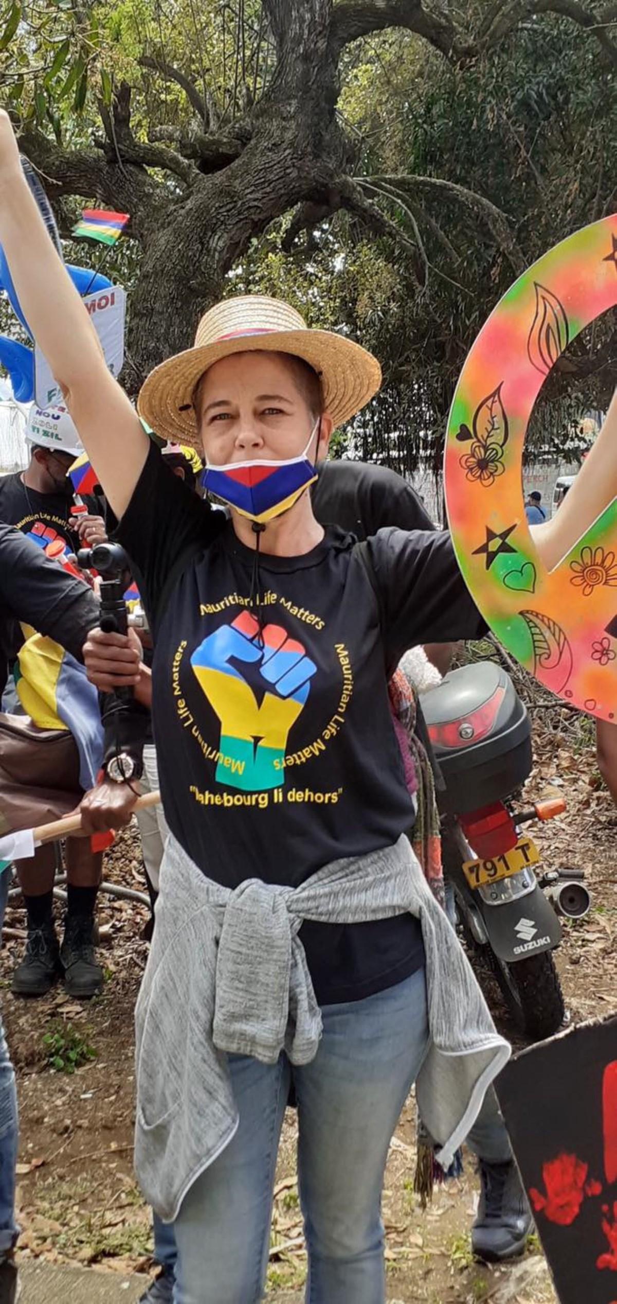 La militante écologiste Ingrid Charoux se dit victime de commentaires racistes