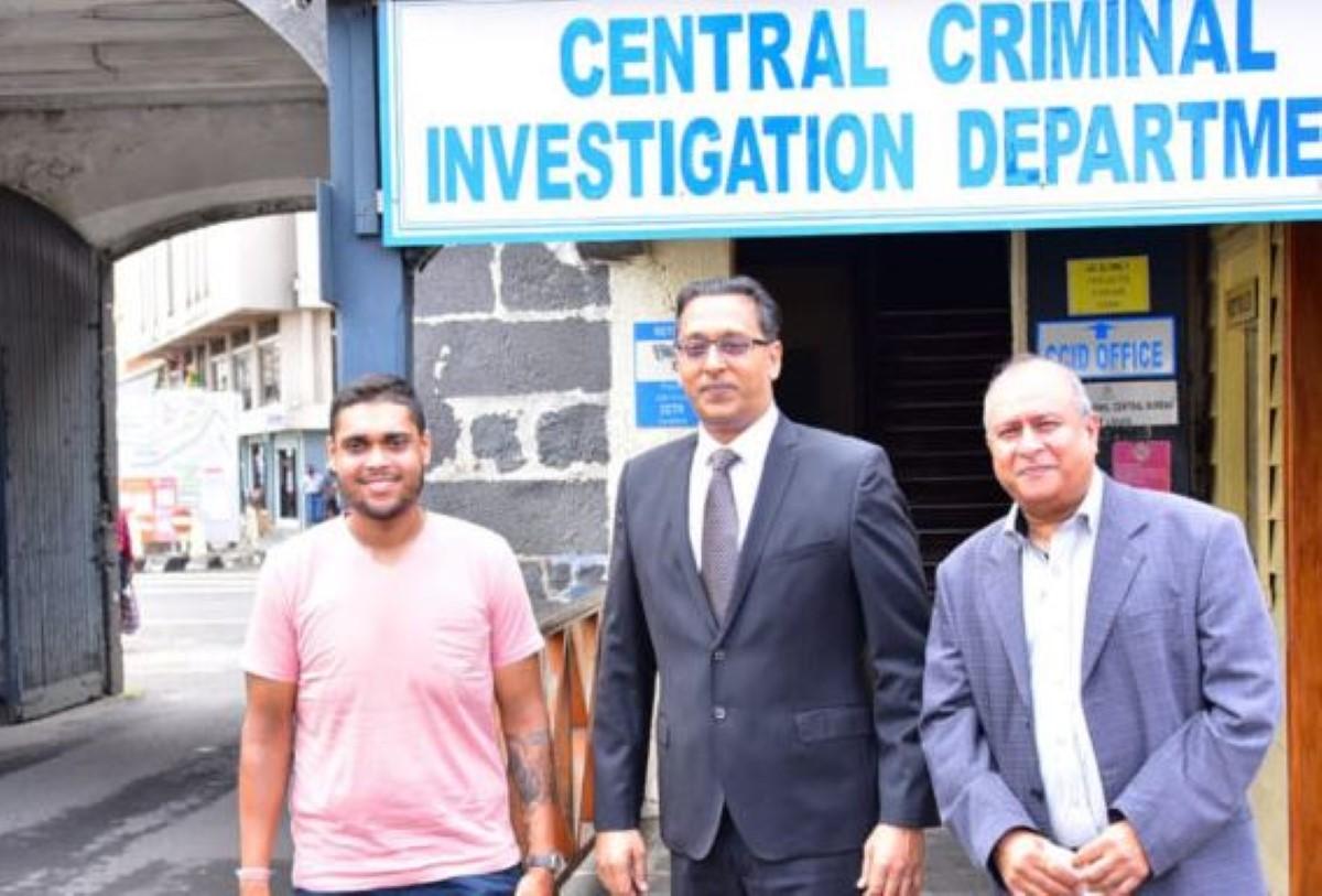 Le journaliste Murvind Beetun interrogé aux Casernes centrales