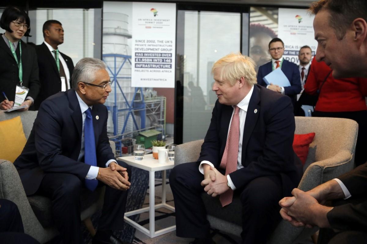 Un tête-à-tête de quelques minutes, avec le PM britannique Boris Johnson. 20.01.20