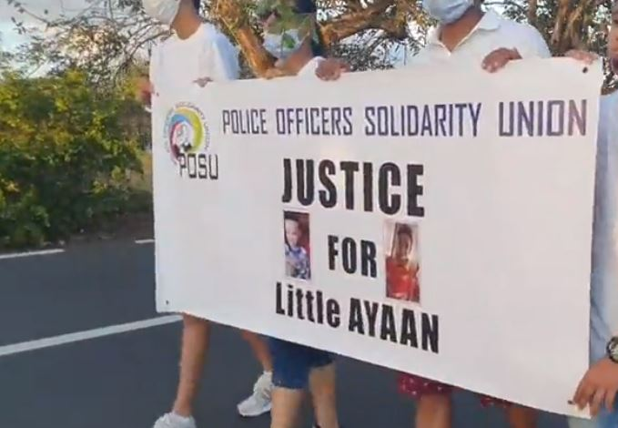 Marche pacifique : « Justice for Dimple Raghoo », « Justice for Ayaan »