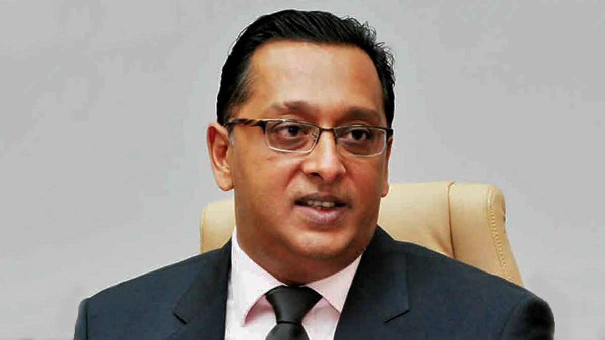 Bhadain informe le DPP de son intention de loger une Private Prosecution contre le PM