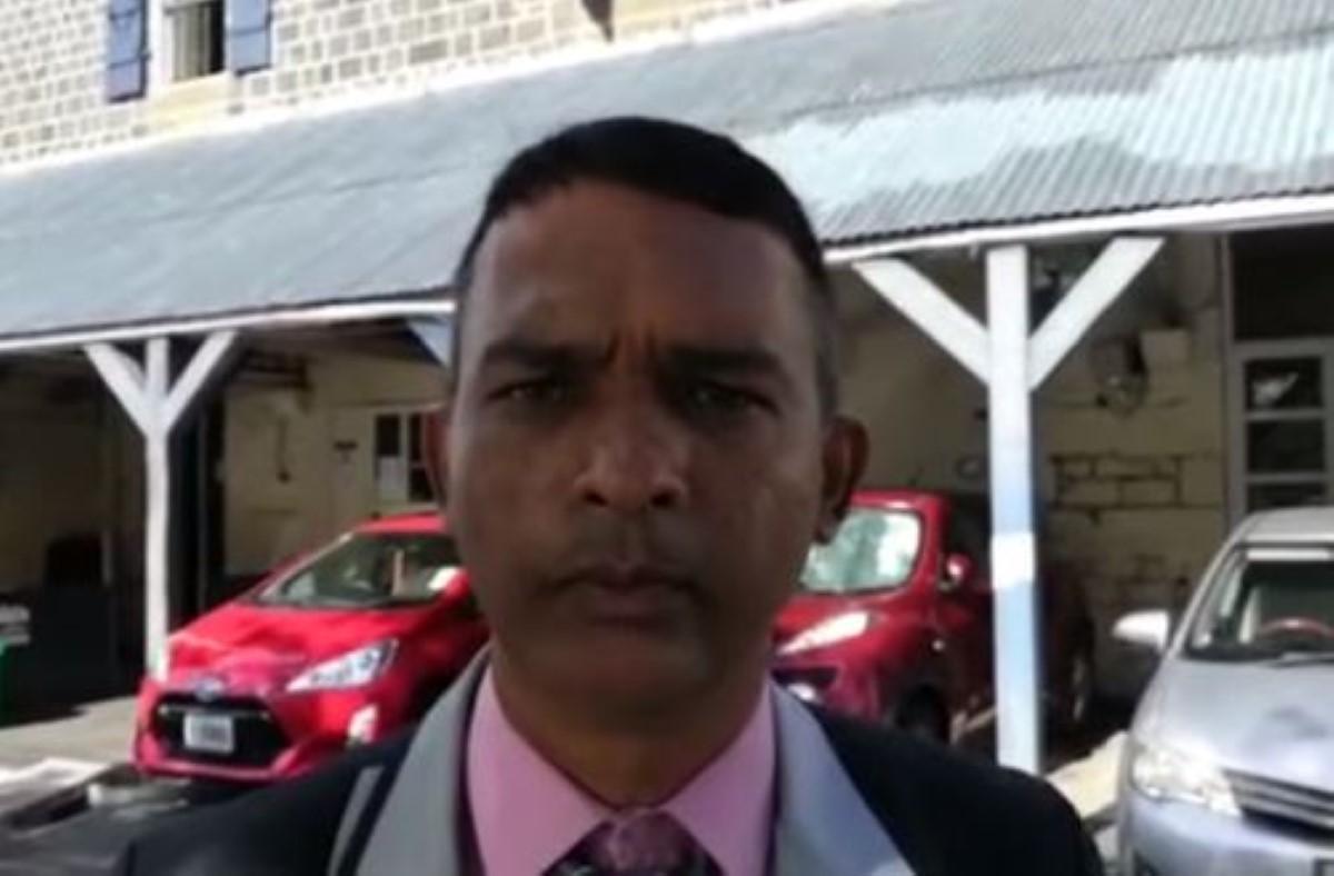 Le président du conseil de district de Grand-Port, neveu de Heman Jangi, chef du CCID, retourne sa veste politique