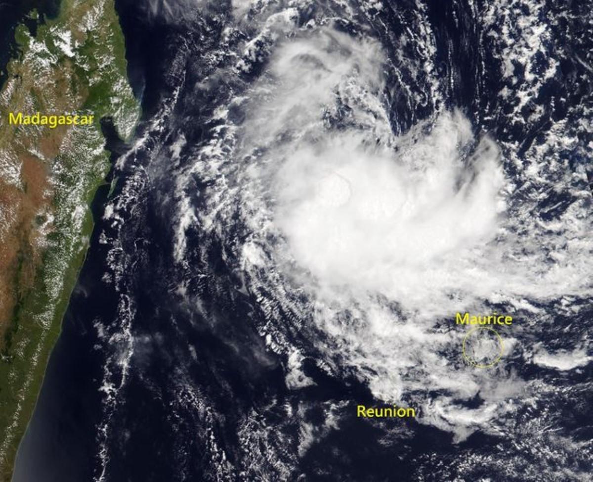 La tempête Chalane à 560 km de Maurice se dirige vers Madagascar