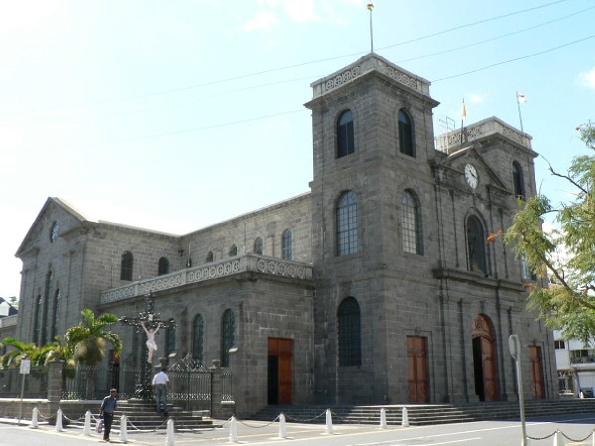 Comparution de Sawmynaden : l'évêché se retrouve sous une injonction de la police