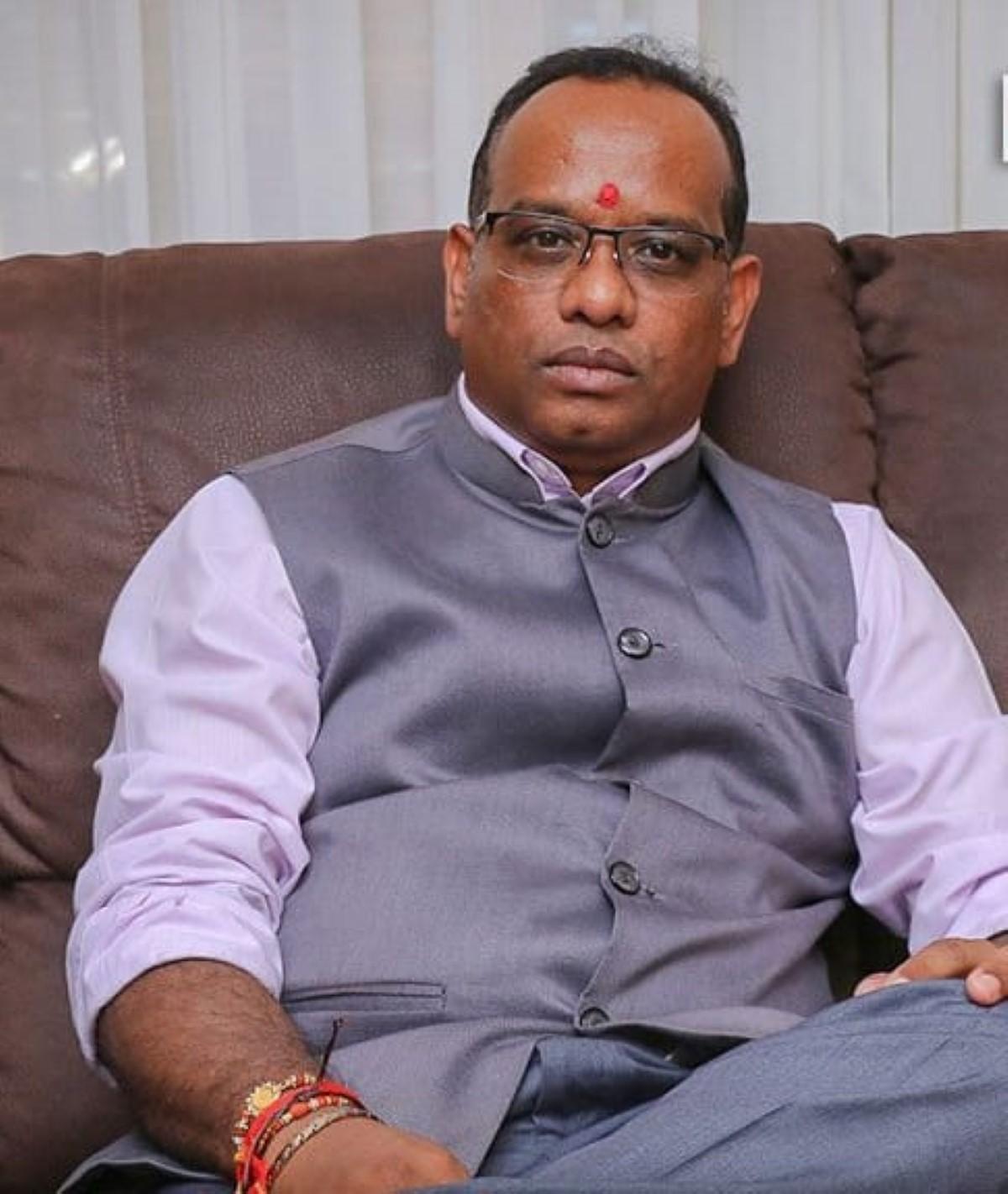 Vikash Nuckcheddy persiste et signe : «une poignée de personnes a décidé de 'fer vilain' » à Port-Louis
