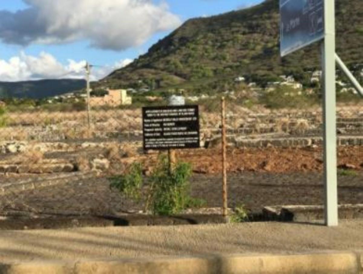Les Salines de Montcalme à Tamarin en danger avec le projet de construction d'un centre commercial