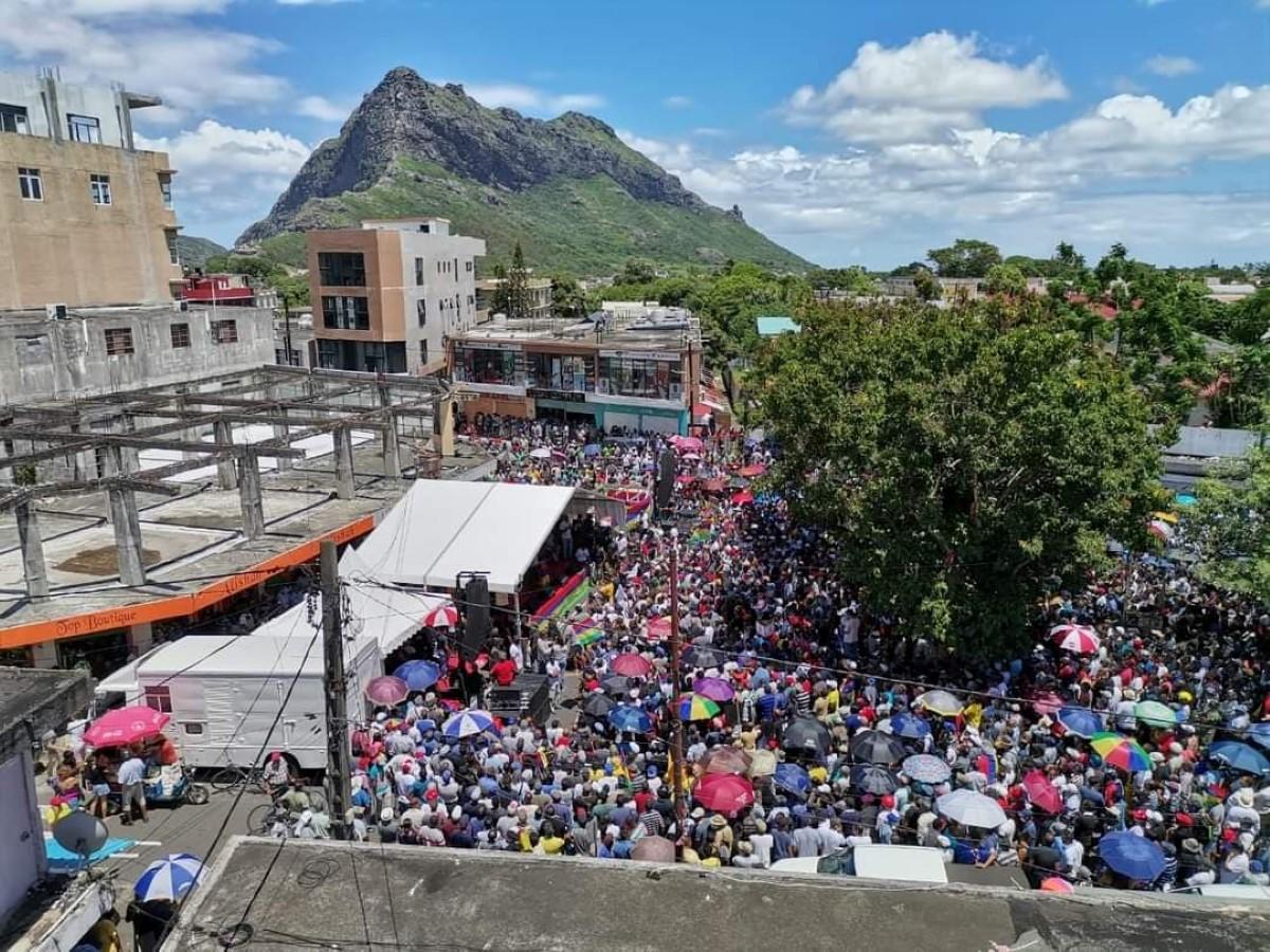 Une très belle foule et le retour en force de Rama Valayden sur la scène politique