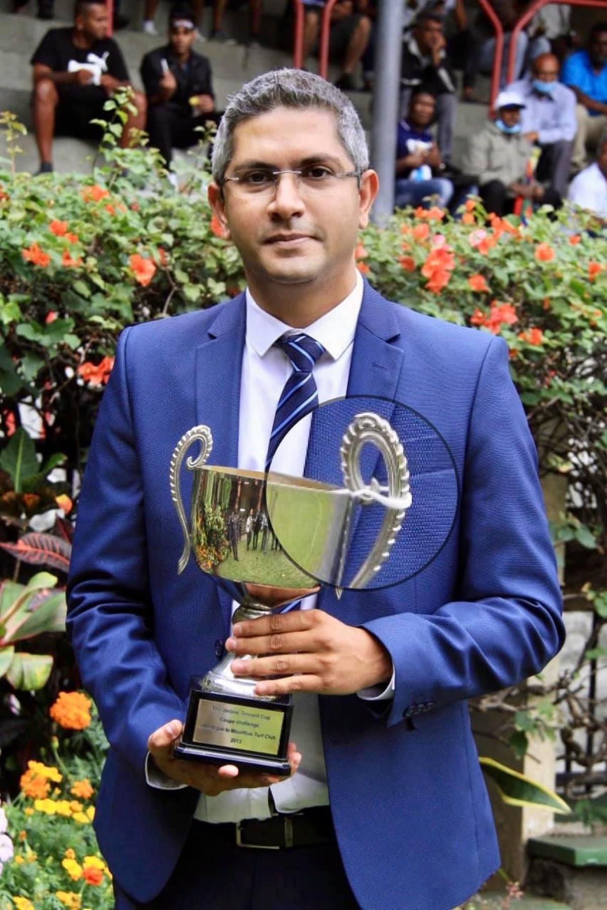 Que cache l'acharnement de Sunil Gohin, patron de Inside News, contre l'avocat Akil Bissessur ?