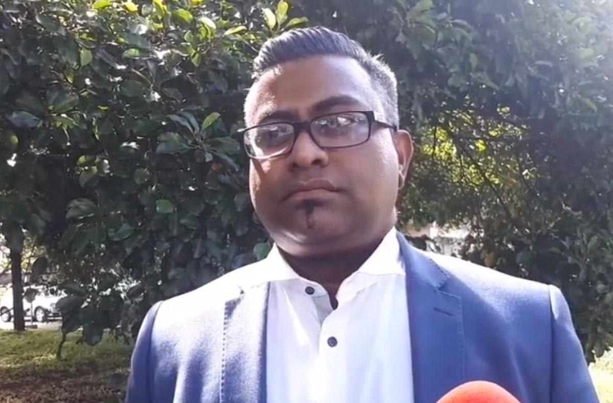 La menace de Moorongapillay à Ramsurrun, directeur par intérim de la MBC