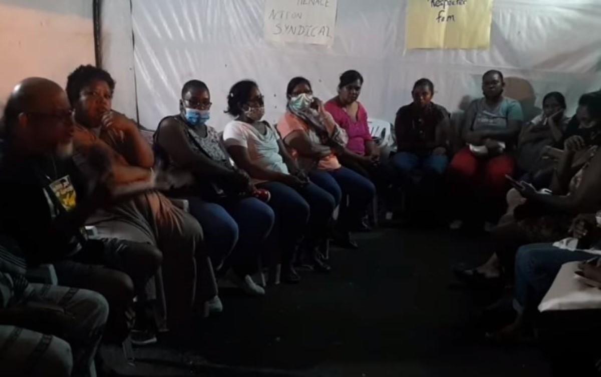 [Vidéo] Trois employées de la compagnie Rose-Hill Transport (RHT) entament une grève de la faim