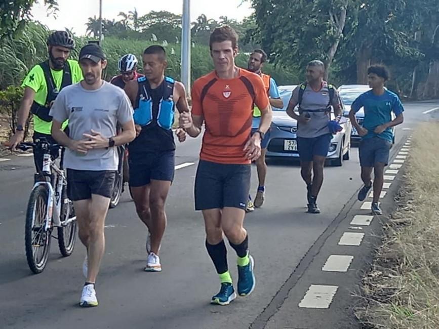 « Run around the island  » : Pierre-Yves Maria vient de passer Saint Aubin