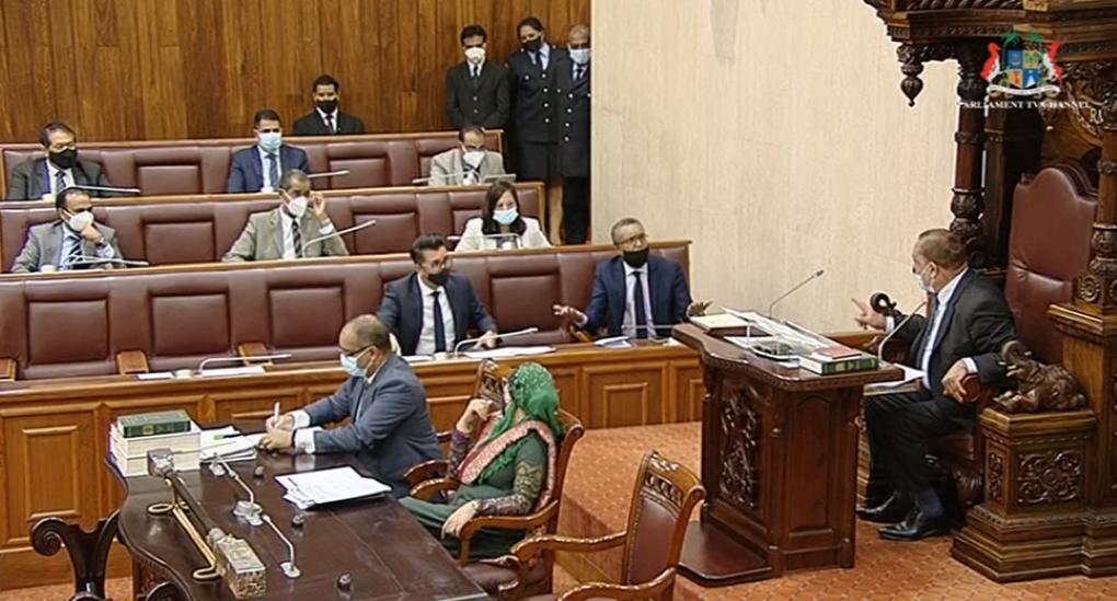 Parlement : Bassesse, coups bas et insultes de Pravind Jugnauth avec la complicité du Speaker