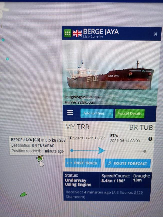 En «panne de moteur» au large de Pointe-d'Esny, le Berge Jaya reprend son trajet vers le Brésil